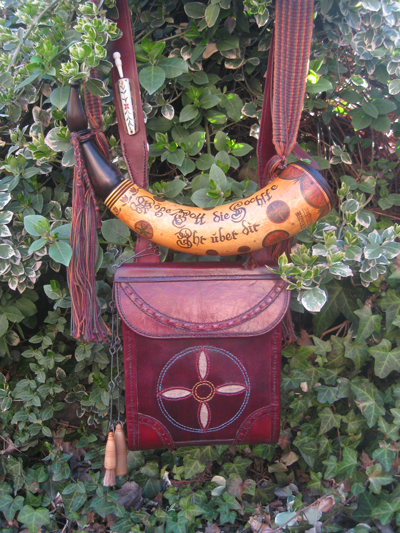 Dixon's-2014-Pouch-and-Horn